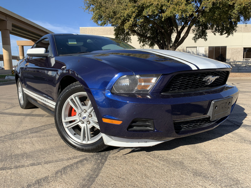 FORD MUSTANG 2010 price $7,897