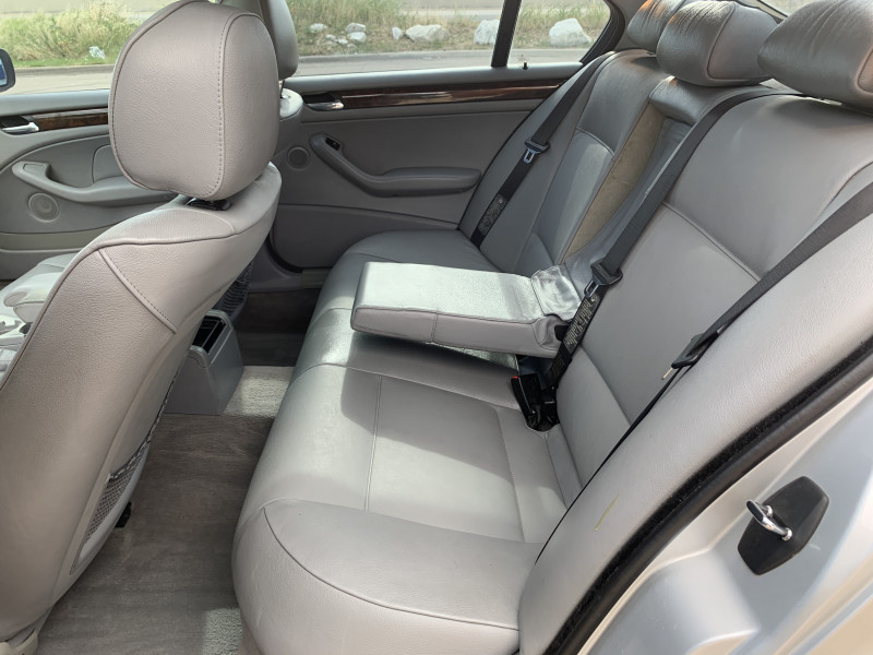 BMW 325 2003 price $4,900