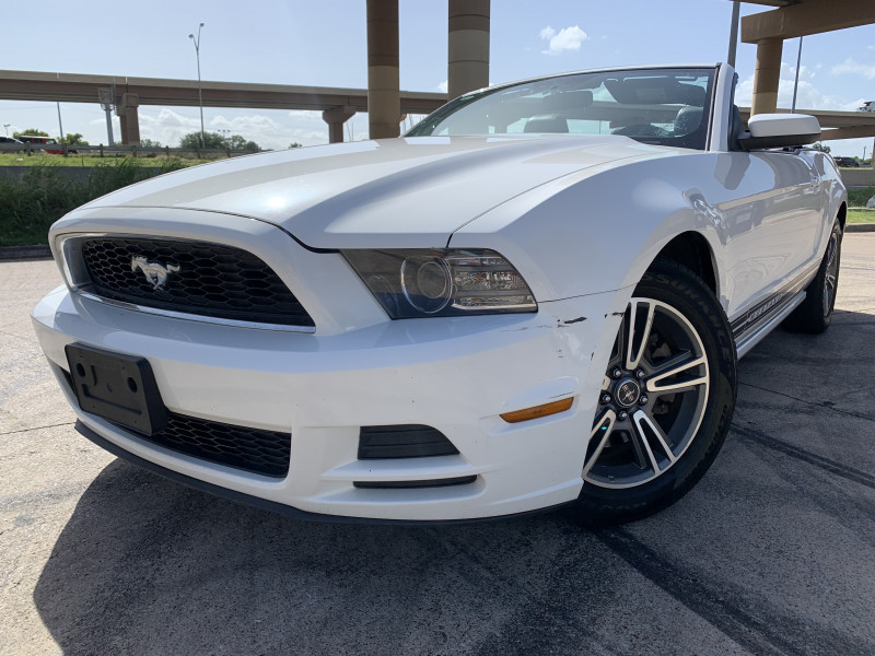 FORD MUSTANG 2013 price $9,900