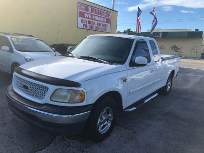 1999 Ford F-150 XLT 4dr Extended Cab SB