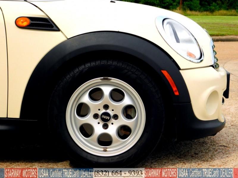 Mini Cooper Hardtop 2012 price $8,994