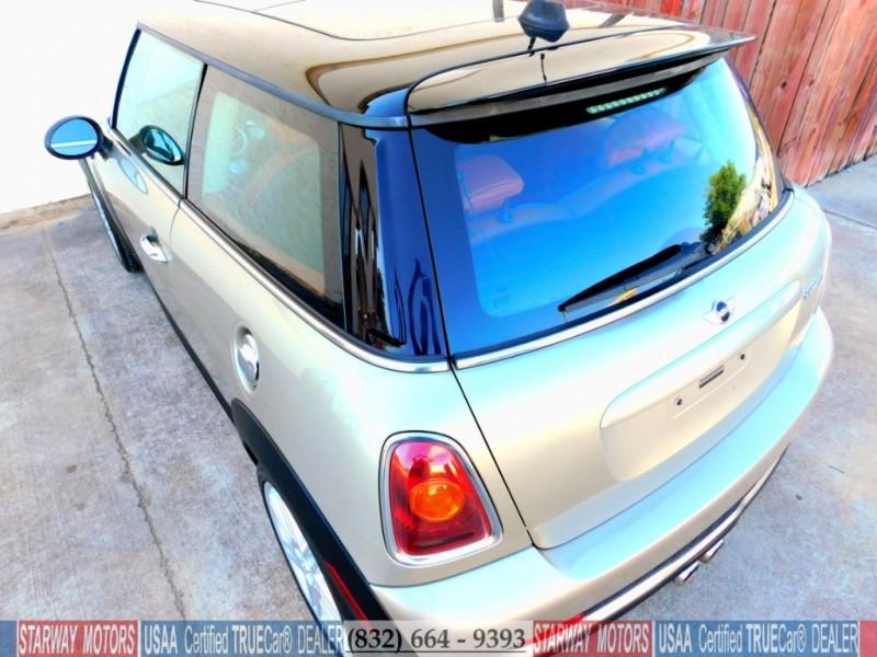 Mini Cooper Hardtop 2008 price $7,495