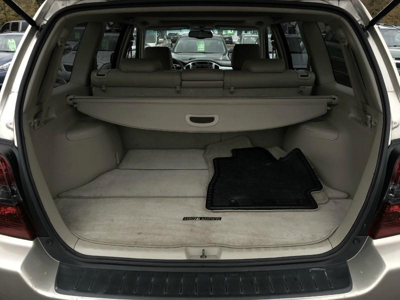 Toyota Highlander 2005 price $6,995