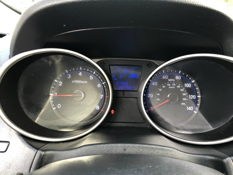 Hyundai Tucson 2011 price $6,995