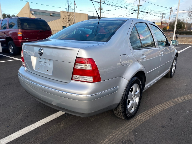 Volkswagen Jetta Sedan 2005 price $3,495