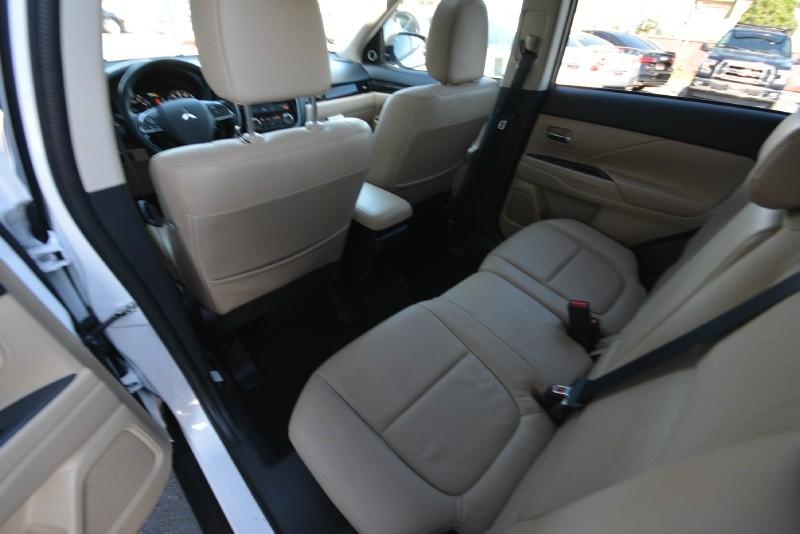 Mitsubishi Outlander 2016 price $16,990