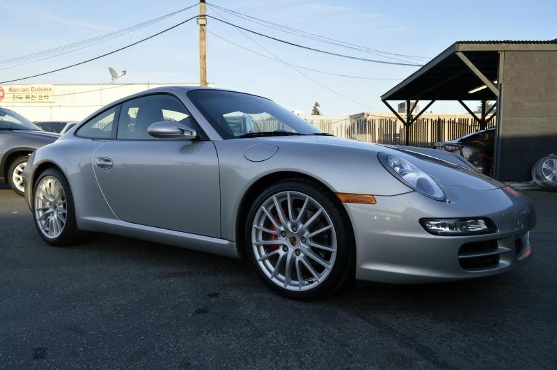 Porsche 911 2006 price $41,880