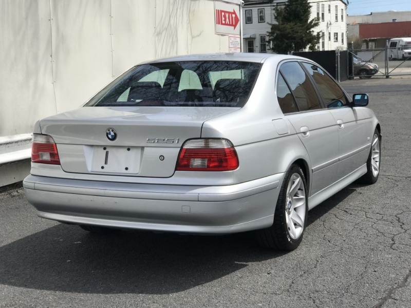 BMW 525 2003 price $2,999