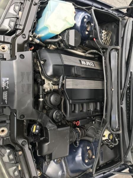 BMW 323 2000 price $2,450
