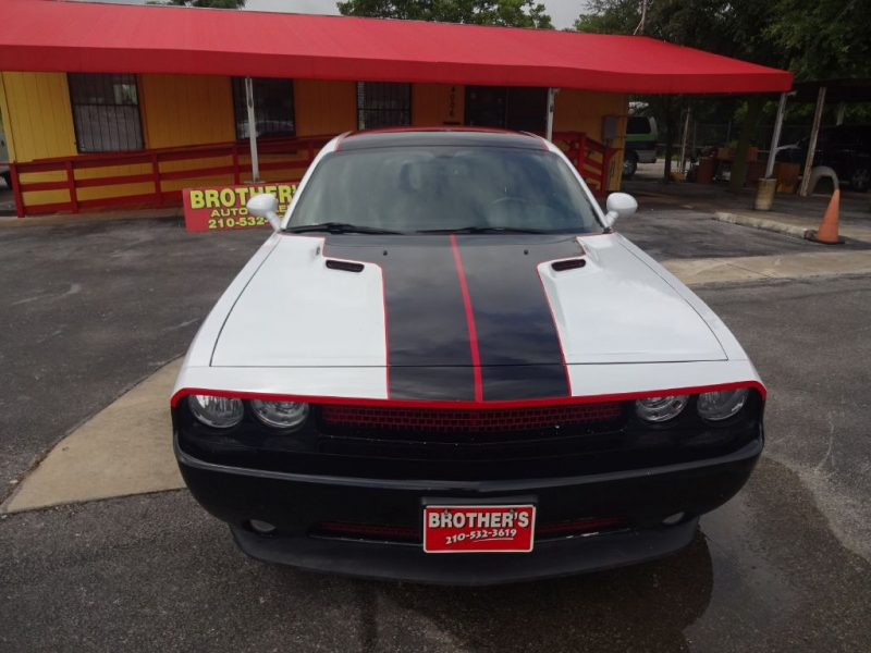 DODGE CHALLENGER 2013 price $17,995