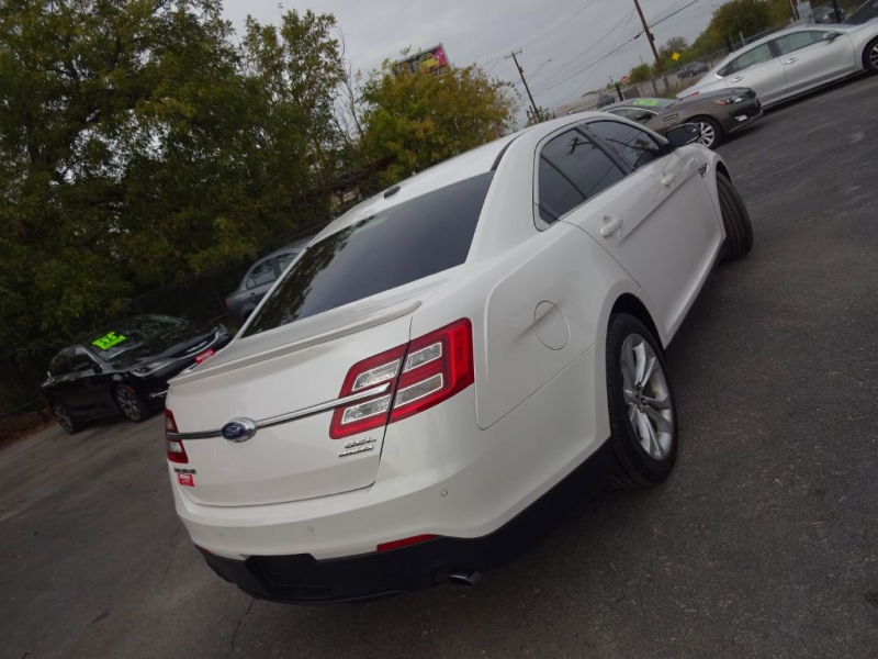 FORD TAURUS 2013 price $12,995