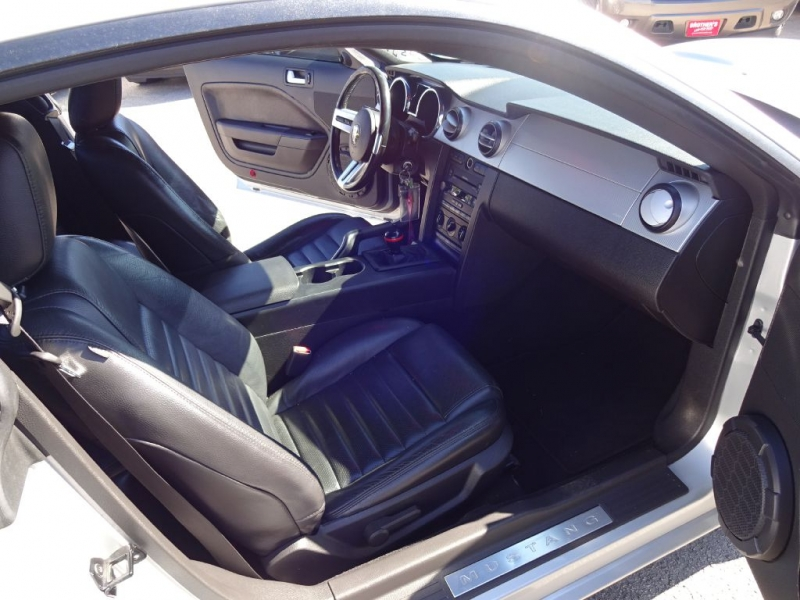 FORD MUSTANG GT 2008 price $12,995