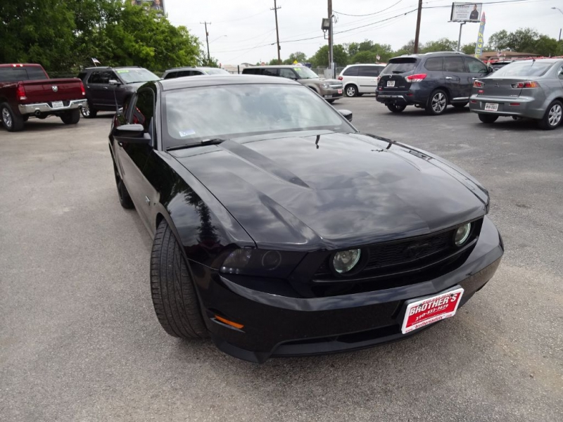 FORD MUSTANG 2010 price $13,995
