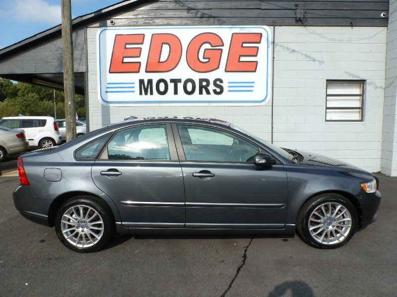 2009 Volvo S40, Low Miles, New Tires, Clean Car