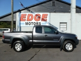 Toyota Tacoma 4X4 Extended Cab, Clean 2011