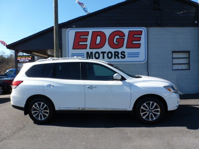 2014 Nissan Pathfinder SL, Fully Loaded, Third Row Seat