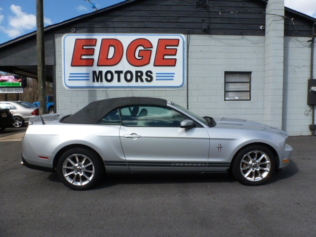 2010 Ford Mustang Convertible, Nice