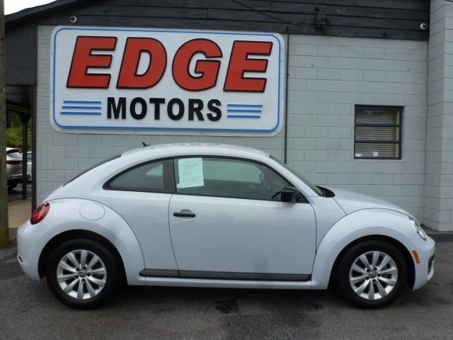 Volkswagen Beetle 2017 price $13,788