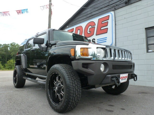 Hummer H3 2007 price $12,488