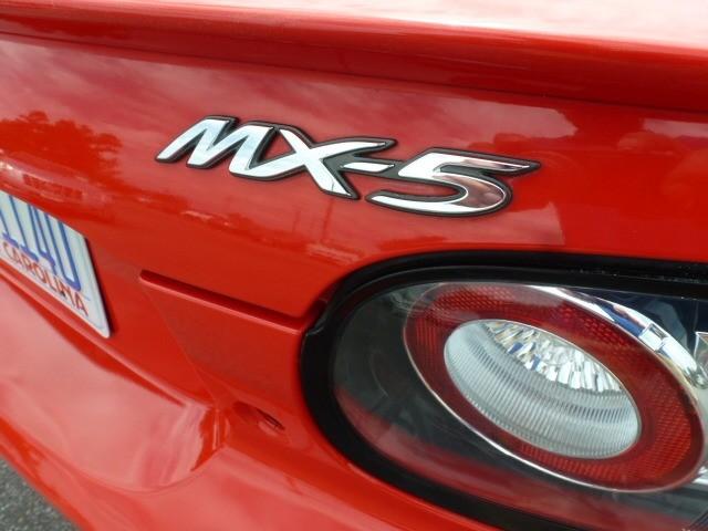 Mazda MX-5 Miata 2007 price $9,488