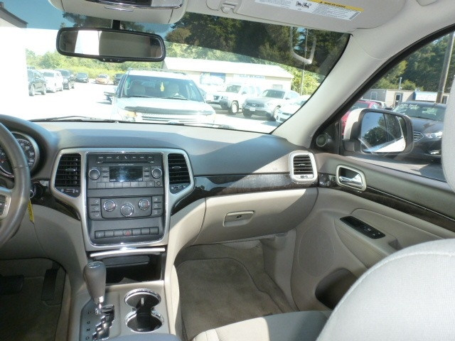 Jeep Grand Cherokee 2012 price $13,288