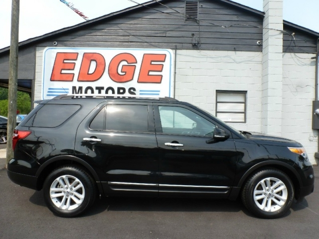 2013 Ford Explorer XLT, NAV, DVD, Sunroof, Third Row