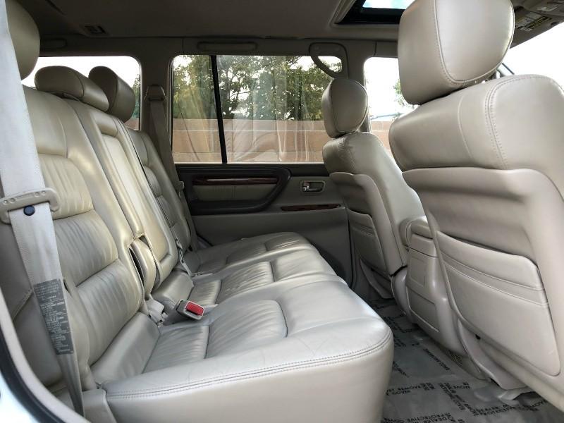 Lexus LX 470 2000 price $9,986