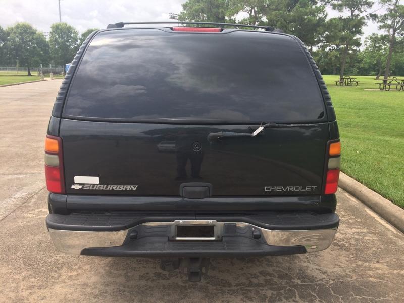 Chevrolet Suburban 2004 price $2,000