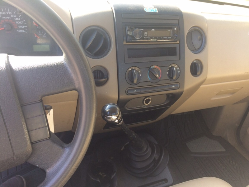 Ford F-150 2005 price $2,800