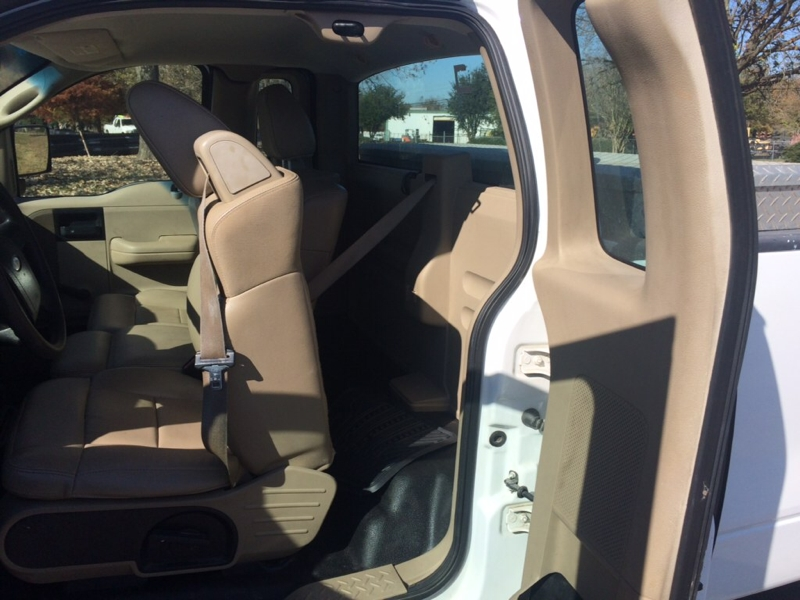 Ford F-150 2005 price $2,500
