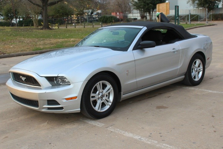 Ford Mustang 2014 price $8,990