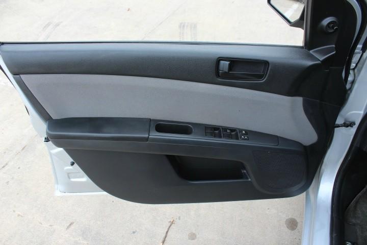 Nissan Sentra 2012 price $4,000