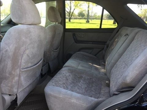 Kia Sorento 2003 price $2,400