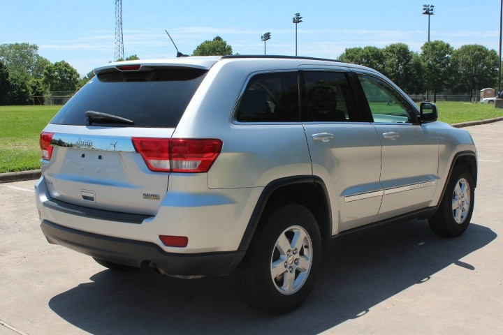 Jeep Grand Cherokee 2013 price $10,300