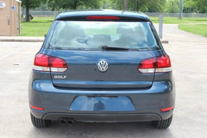 Volkswagen Golf 2013 price $5,900