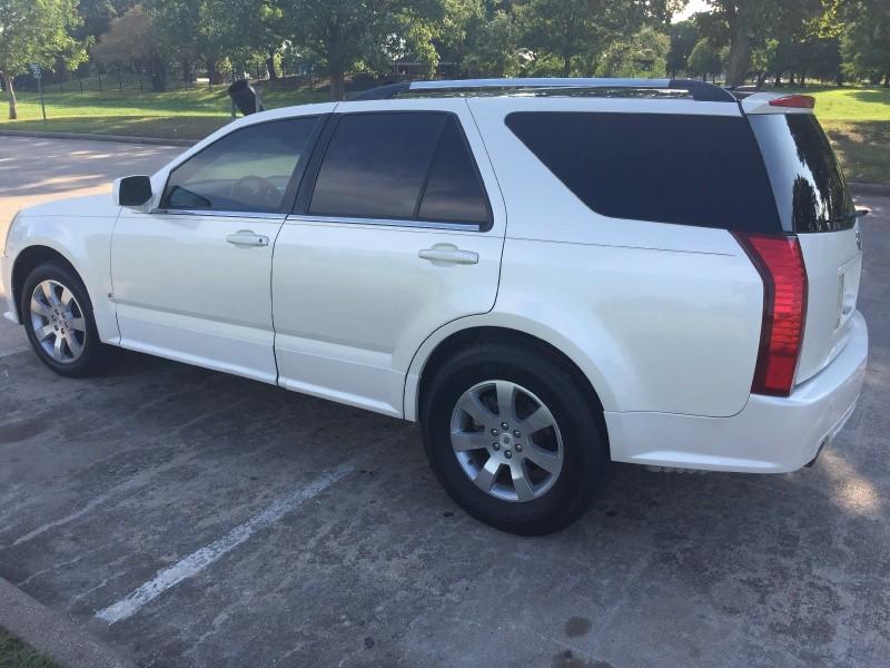 Cadillac SRX 2009 price $3,900