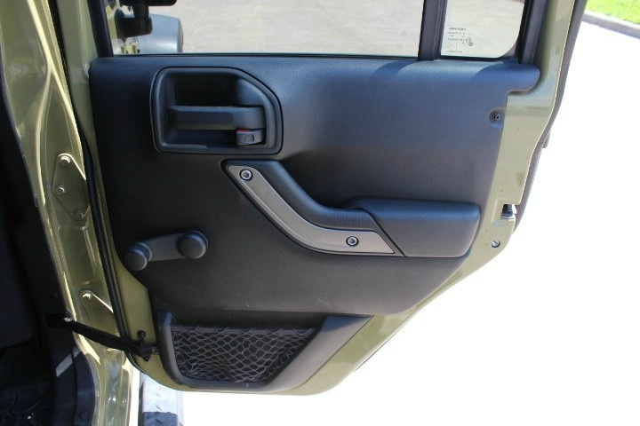Jeep Wrangler Unlimited 2013 price $17,990