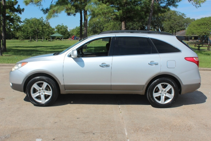 Hyundai Veracruz 2008 price $6,400