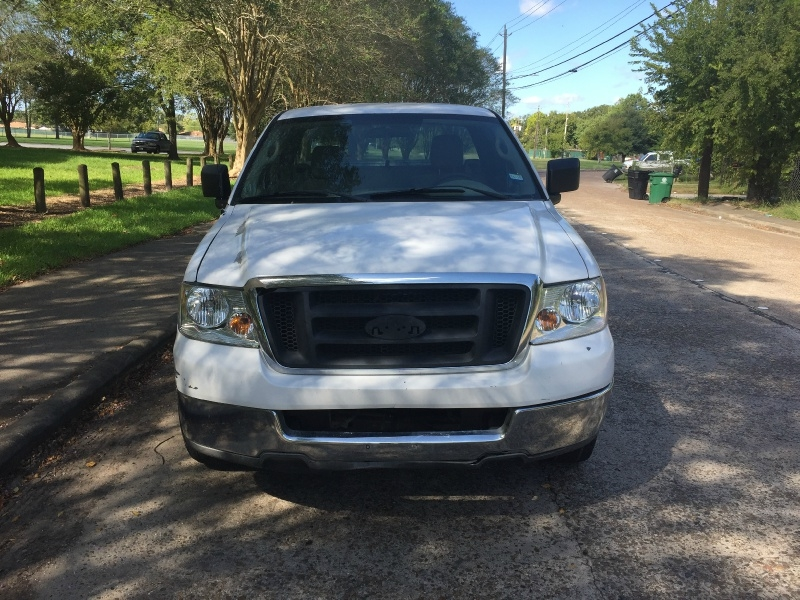 Ford F-150 2004 price $2,200