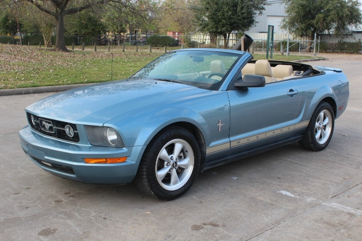 Ford Mustang 2007 price $5,000