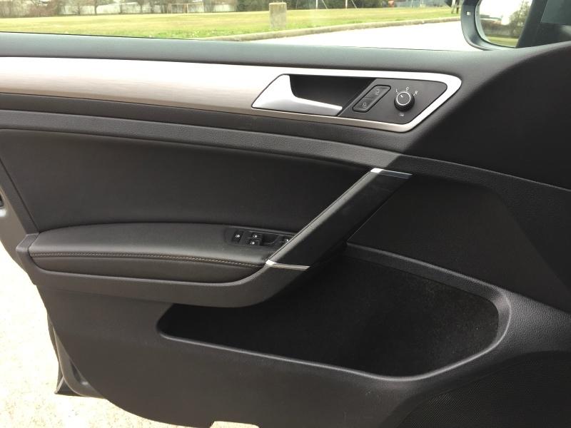 Volkswagen Golf Sportwagon 2015 price $8,300