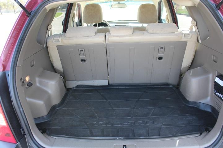 Hyundai Tucson 2009 price $3,900