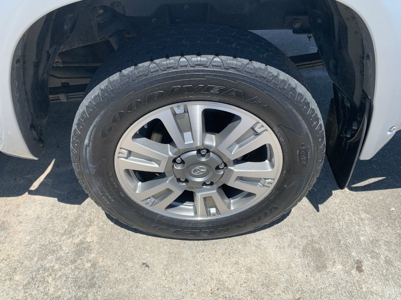 Toyota Tundra 2WD 2017 price $26,000