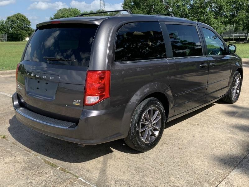 Dodge Grand Caravan 2017 price $11,900