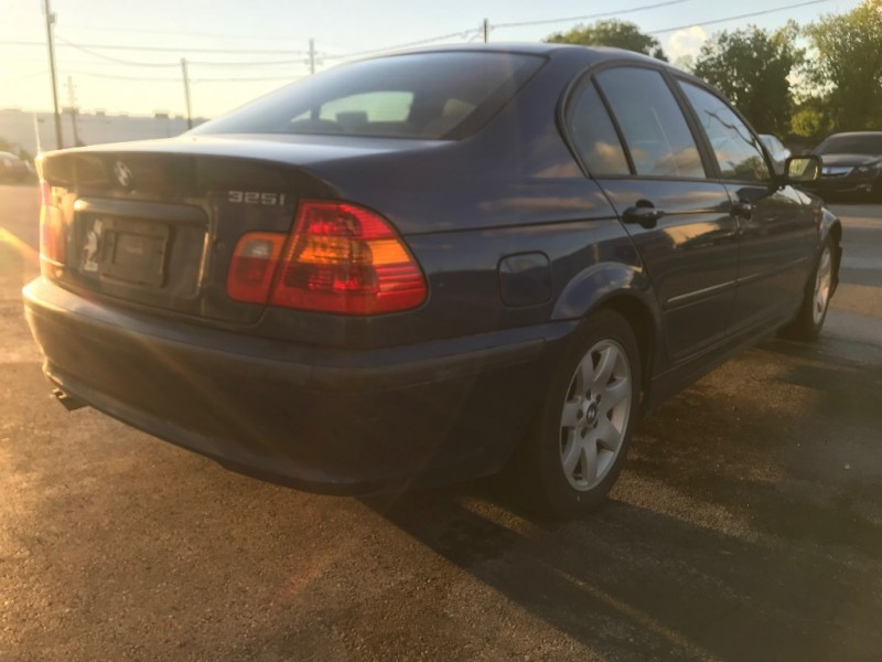 BMW 3-Series 2005 price $2,591