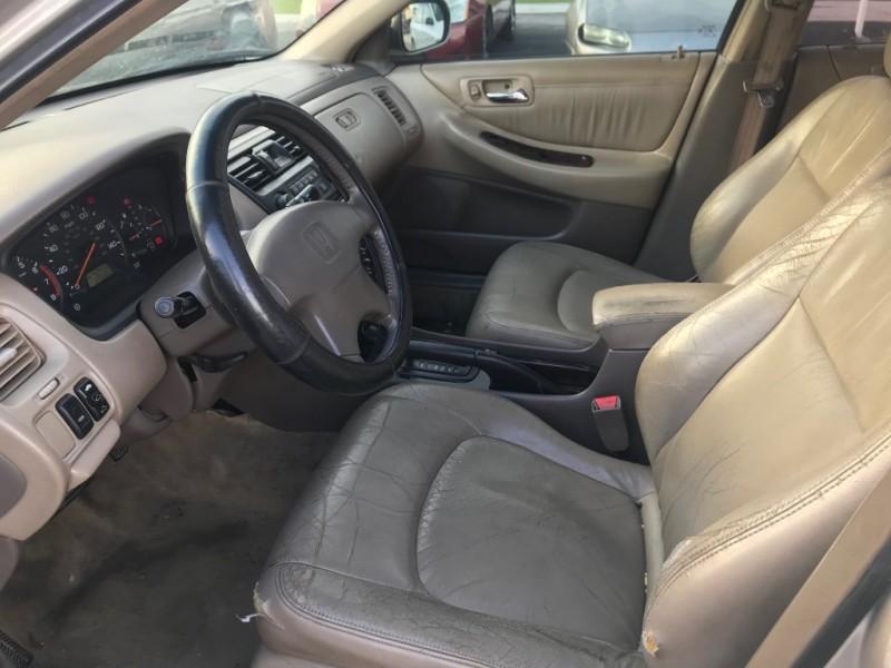 Honda Accord Sdn 1999 price $995
