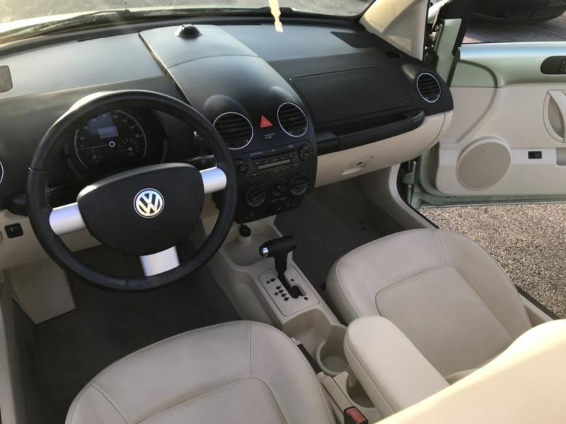 Volkswagen New Beetle Convertible 2009 price $5,000
