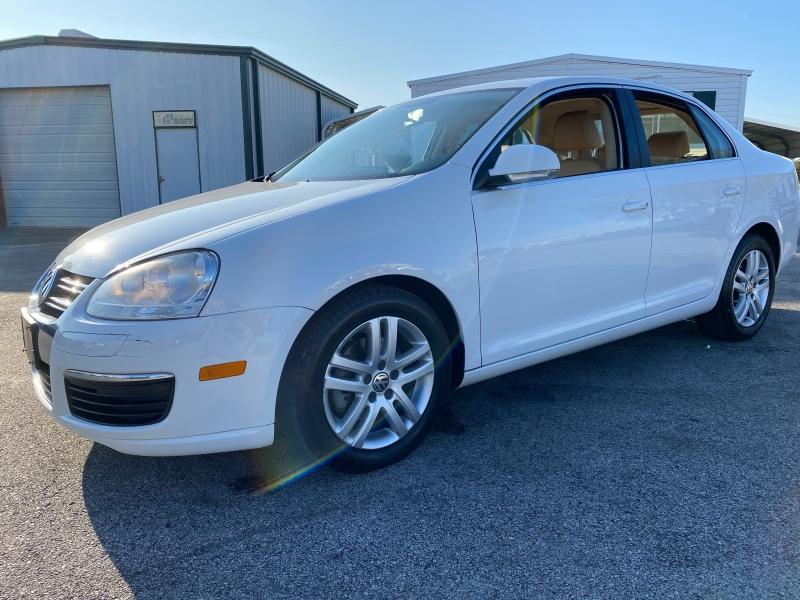 Volkswagen Jetta 2009 price $3,688