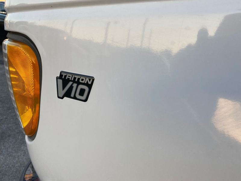 Ford Econoline Wagon 1999 price $2,595