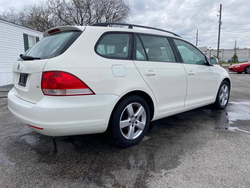 Volkswagen Jetta Wagon 2009 price $3,888